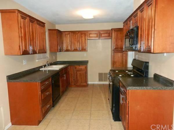 37924 Grandview Avenue, Yermo, CA, 92398: Photo 5