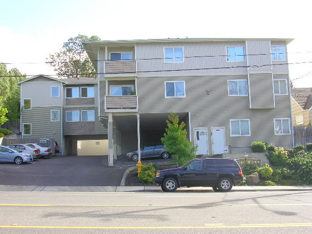 Rental Homes for Rent, ListingId:33053284, location: 11424 1st Ave S #205 Seattle 98168