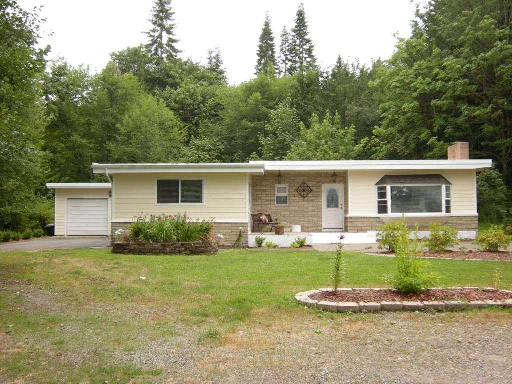 Rental Homes for Rent, ListingId:29378294, location: 17052 E State Route 106 Belfair 98528