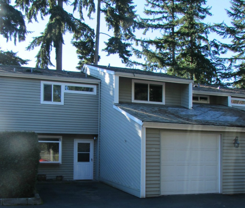 Rental Homes for Rent, ListingId:31883821, location: 14447 124th Ave NE #C19 Kirkland 98034