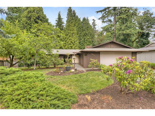 Rental Homes for Rent, ListingId:29096934, location: 6232 129th Place SE Bellevue 98006