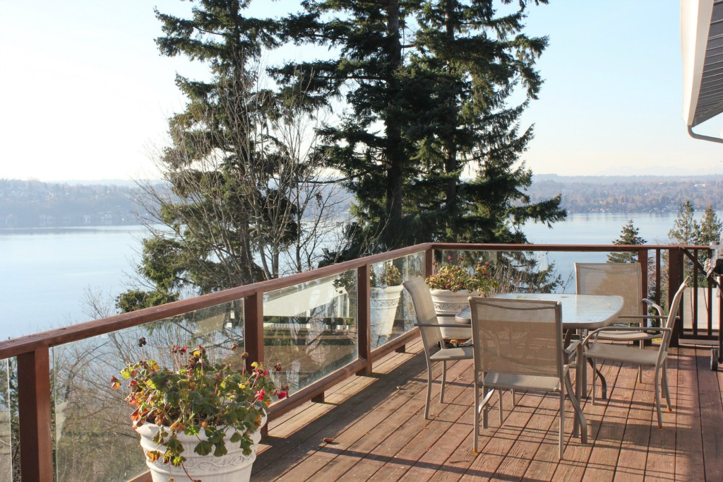 Rental Homes for Rent, ListingId:30770641, location: 8424 W Mercer Wy Mercer Island 98040