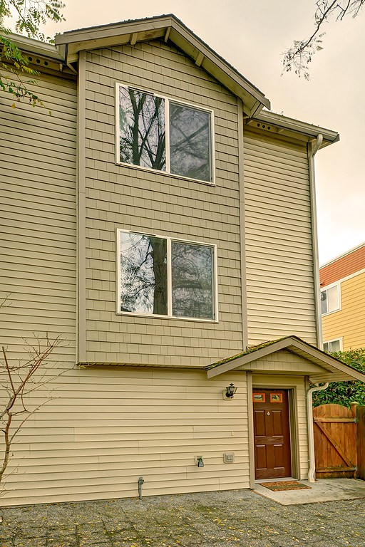 Rental Homes for Rent, ListingId:36217669, location: 9224 Ashworth Ave N Seattle 98103
