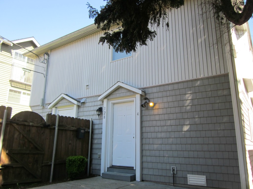 Rental Homes for Rent, ListingId:32759329, location: 128 20th Ave E #2 Seattle 98112