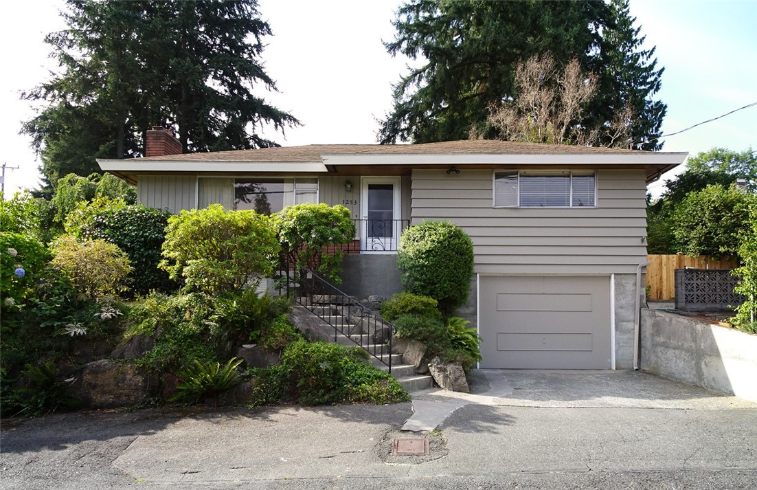 Rental Homes for Rent, ListingId:35103883, location: 1253 NE 104th St Seattle 98125