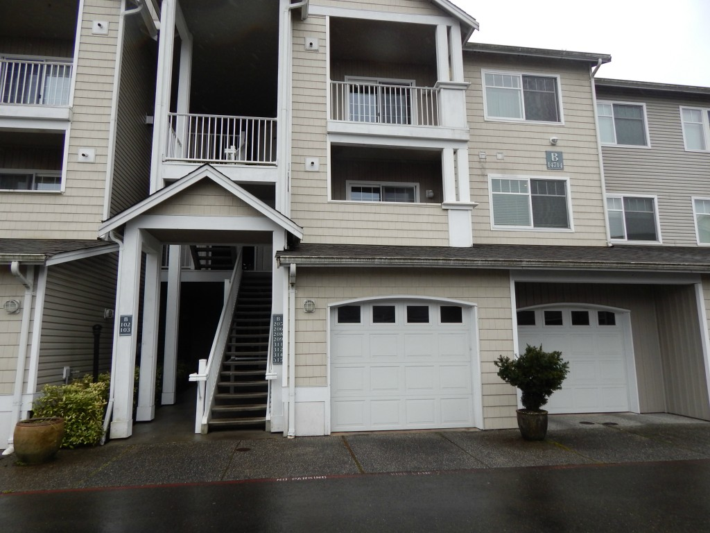 Rental Homes for Rent, ListingId:27030506, location: 14714 Admiralty Wy #B208 Lynnwood 98087