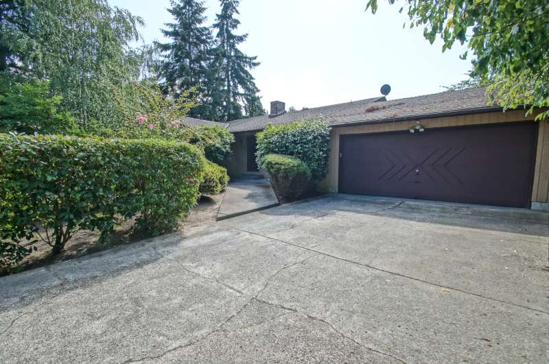 Rental Homes for Rent, ListingId:29727589, location: 11131 SE 4th St Bellevue 98004