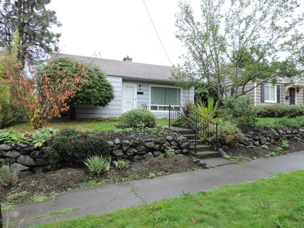 Rental Homes for Rent, ListingId:30411613, location: 10046 61st Ave S Seattle 98178
