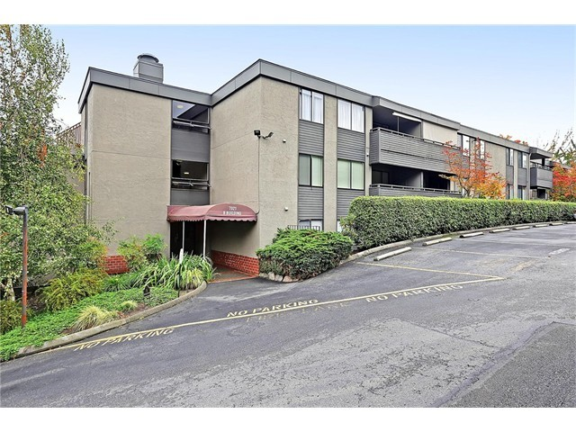 Rental Homes for Rent, ListingId:36126547, location: 7021 Sand Point Wy NE #B222 Seattle 98115