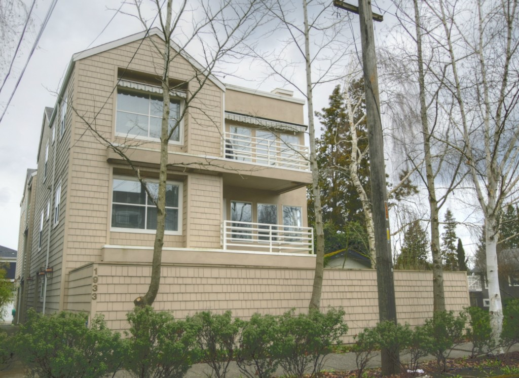 Rental Homes for Rent, ListingId:31859412, location: 1933 42nd Ave E #1 Seattle 98112