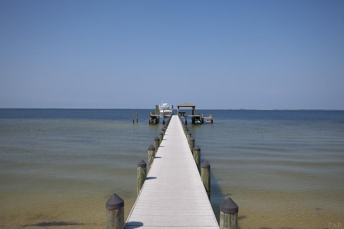 746 Peakes Point Dr, Gulf Breeze, FL, 32561: Photo 48