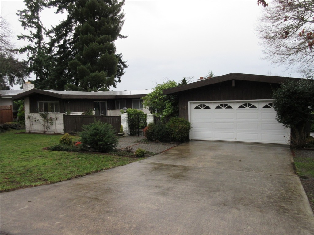 Rental Homes for Rent, ListingId:36980491, location: 1702 126th Ave SE Bellevue 98005
