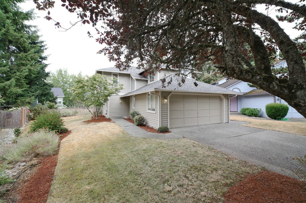 Rental Homes for Rent, ListingId:34580803, location: 4204 243rd Place SE Issaquah 98029