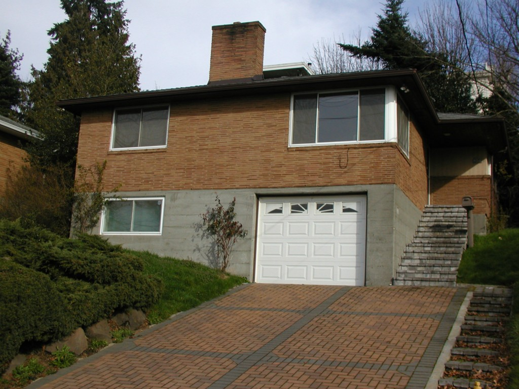 Rental Homes for Rent, ListingId:28765489, location: 2602 14th Ave W #base Seattle 98109