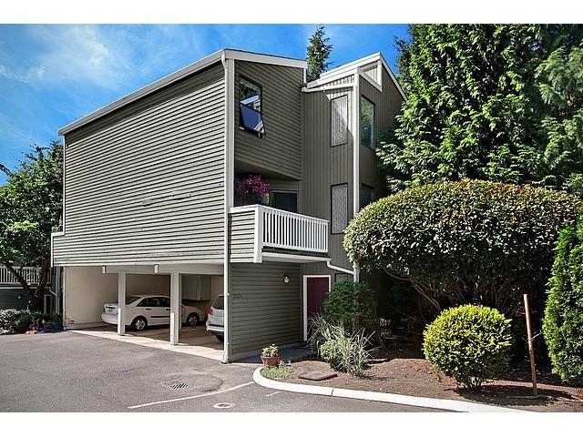 Rental Homes for Rent, ListingId:31439428, location: 10024 NE 124th Place Kirkland 98034