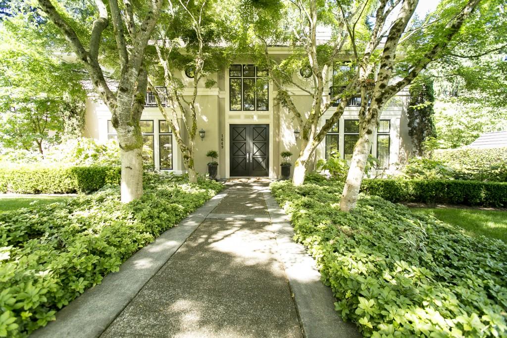 Rental Homes for Rent, ListingId:34318387, location: 1649 100th Place SE Bellevue 98004