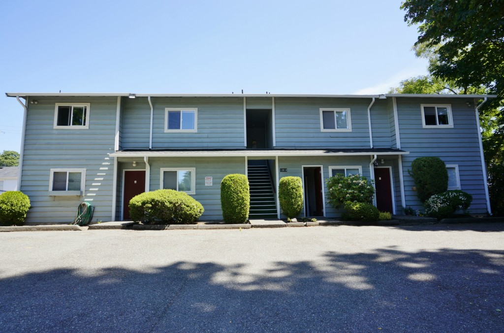 Rental Homes for Rent, ListingId:33939370, location: 12918 1st Ave SW #C Burien 98146