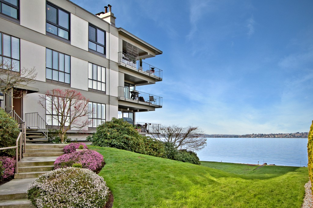 Rental Homes for Rent, ListingId:31076486, location: 6333 Lake Washington Blvd NE #405 Kirkland 98033