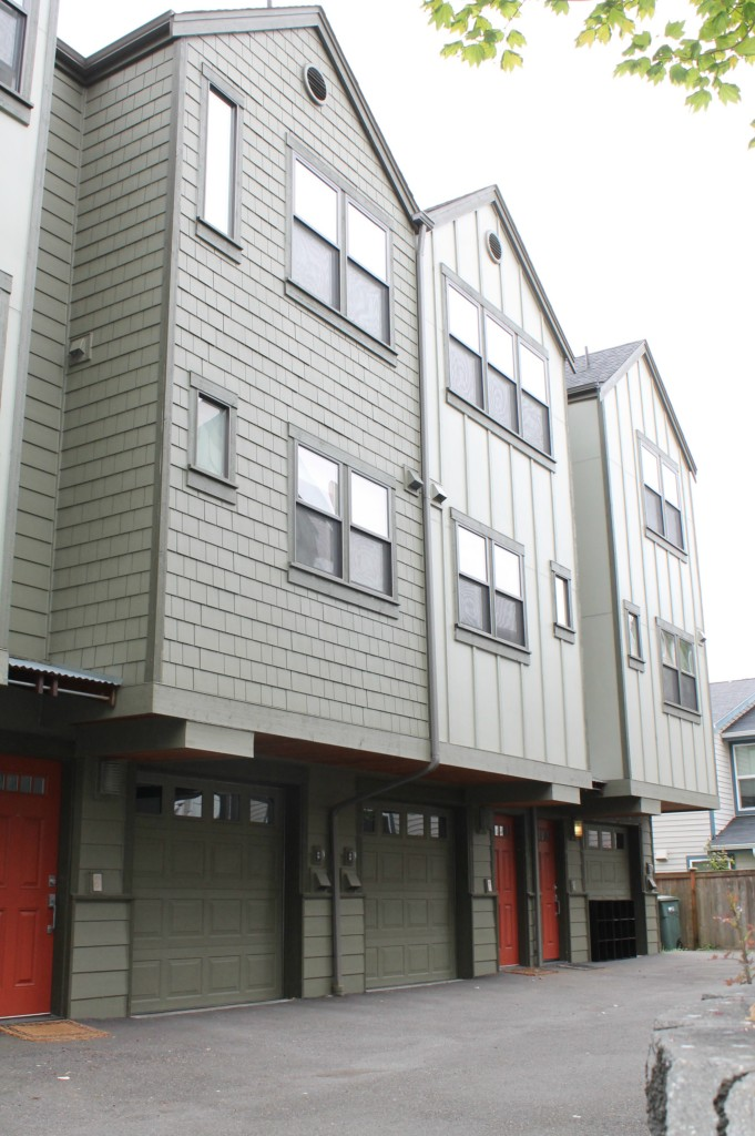 Rental Homes for Rent, ListingId:33306954, location: 11711 Greenwood Ave N #C Seattle 98133