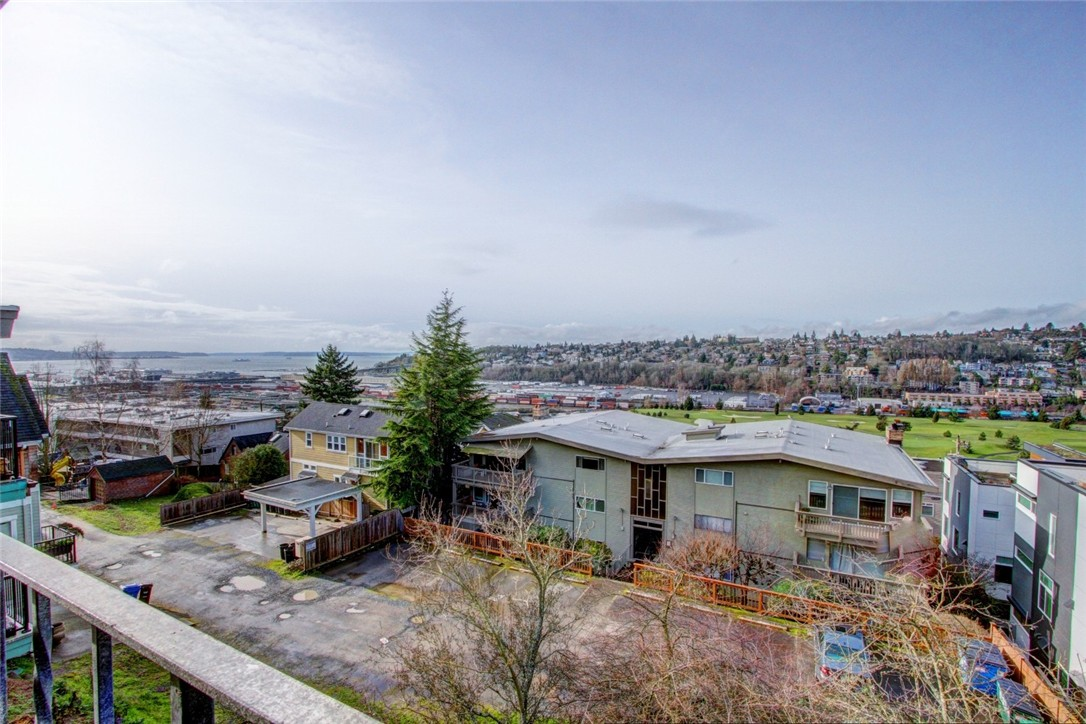 Rental Homes for Rent, ListingId:36946290, location: 2551 13th Ave W Seattle 98119