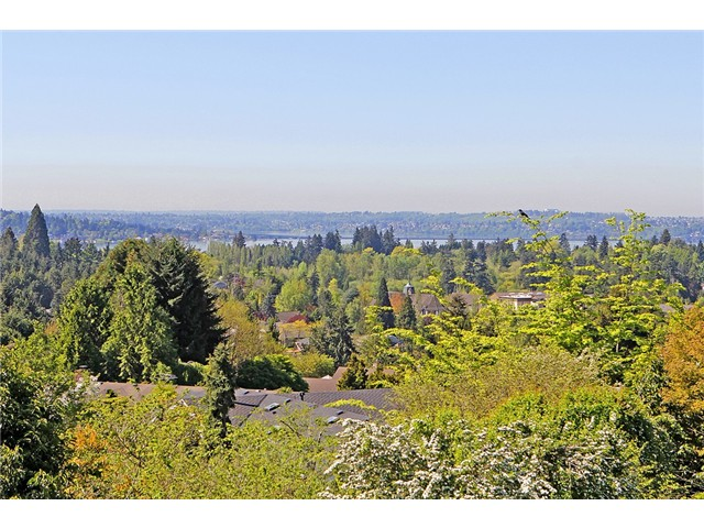 Rental Homes for Rent, ListingId:33641191, location: 8813 NE 19th St Bellevue 98004