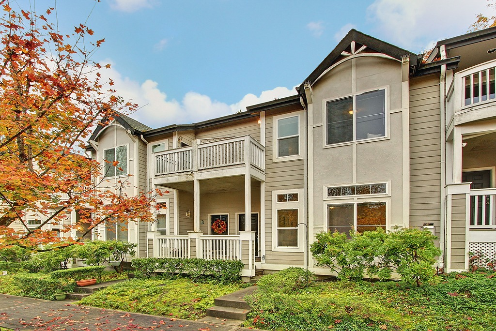 Rental Homes for Rent, ListingId:31795945, location: 9700 Ravenna Ave NE #2 Seattle 98115