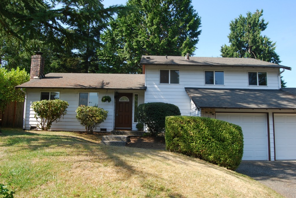 Rental Homes for Rent, ListingId:30268527, location: 3323 170th Ave NE Bellevue 98008