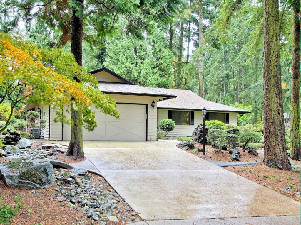 Rental Homes for Rent, ListingId:34540958, location: 12930 NE 25th Place Bellevue 98005