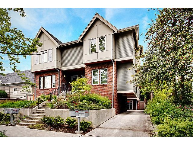 Rental Homes for Rent, ListingId:33888682, location: 316 Federal Ave E Seattle 98102