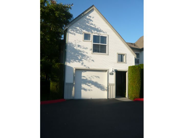 Rental Homes for Rent, ListingId:29294983, location: 6706 S 239th Place #E101 Kent 98032