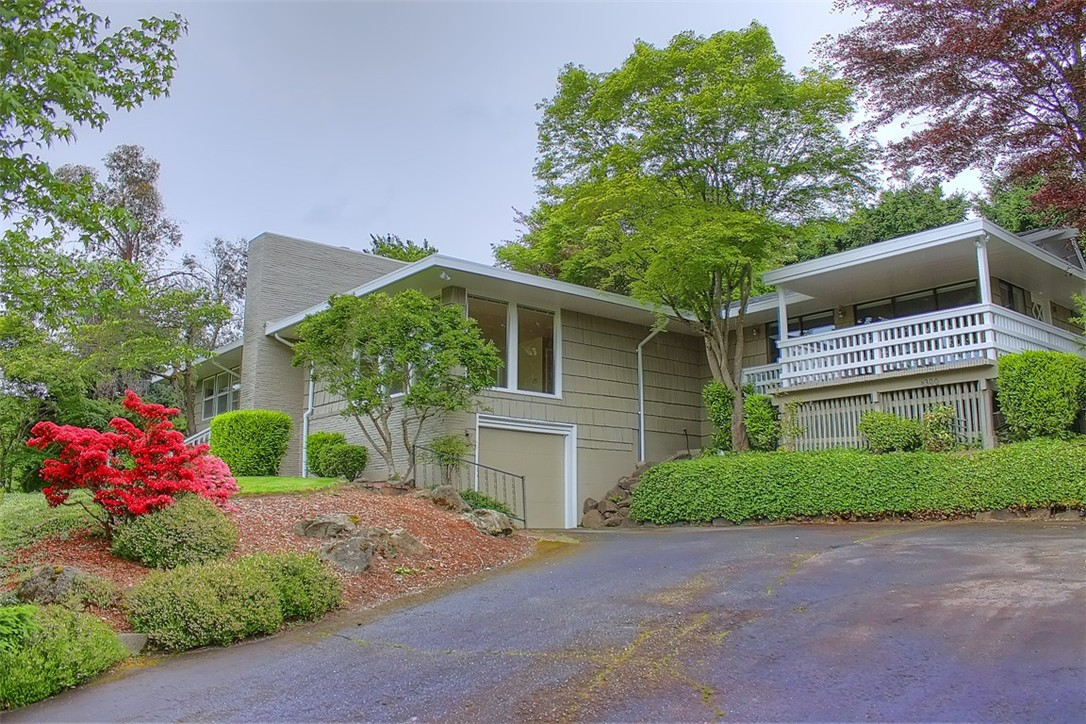 Rental Homes for Rent, ListingId:35646700, location: 8300 Overlake Dr W Medina 98039