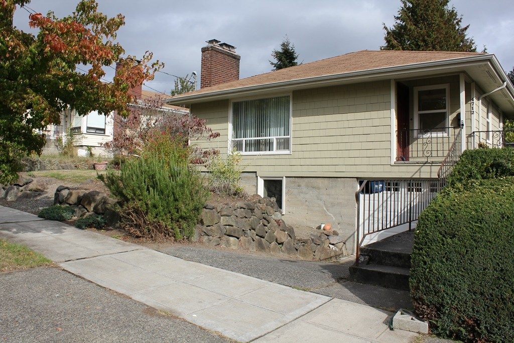 Rental Homes for Rent, ListingId:30242300, location: 4712 12th Ave S Seattle 98108