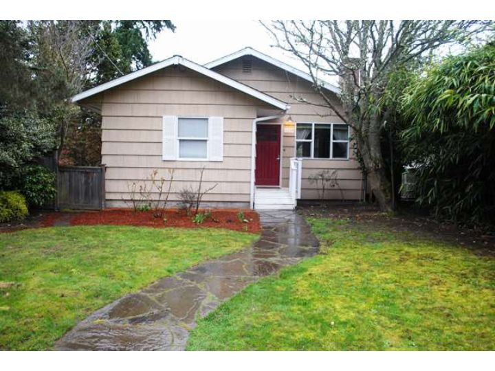 Rental Homes for Rent, ListingId:30585317, location: 3238 35th Ave W Seattle 98199