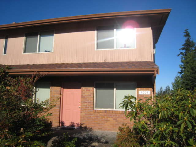 Rental Homes for Rent, ListingId:28940525, location: 4504 Olympic Blvd #2 Everett 98203