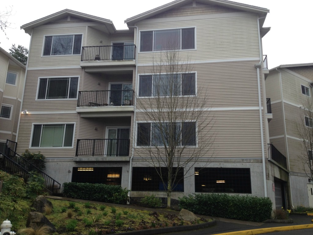 Rental Homes for Rent, ListingId:32057314, location: 15000 Juanita Dr NE #303 Kenmore 98028