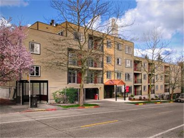 Rental Homes for Rent, ListingId:26832180, location: 840 NE 125th St #108 Seattle 98125