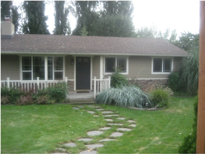 Rental Homes for Rent, ListingId:34580804, location: 12105 SE 43rd St Bellevue 98006