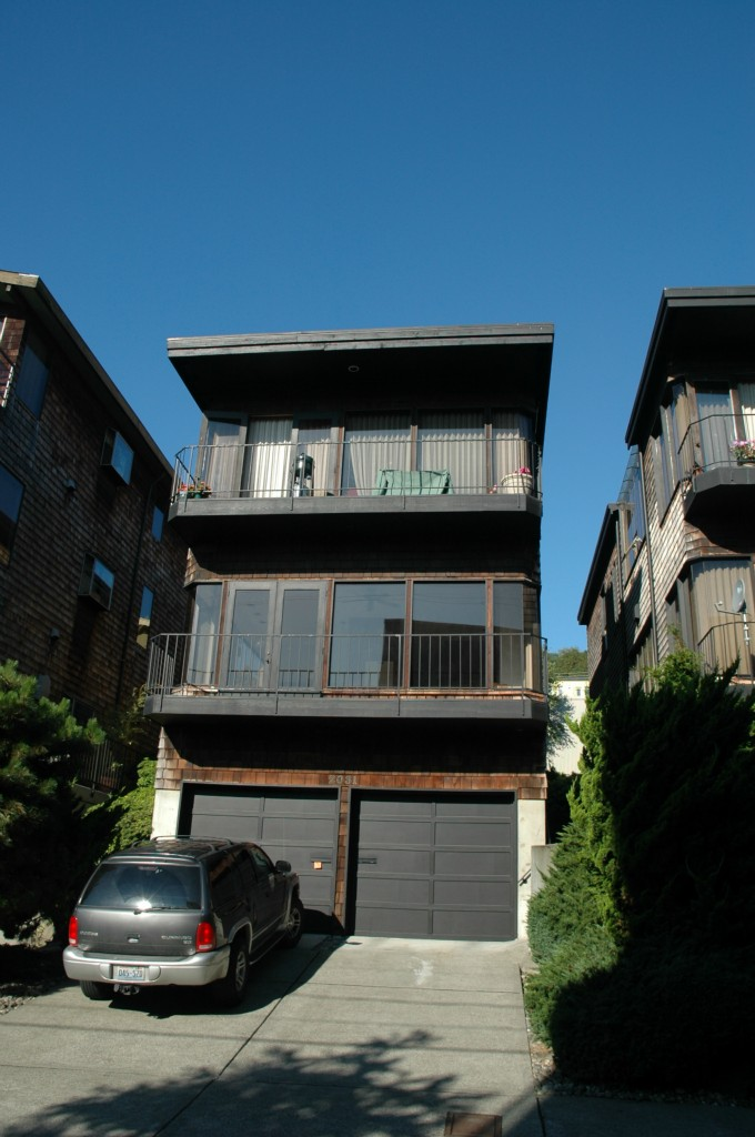 Rental Homes for Rent, ListingId:29260309, location: 2031 Waverly Place N #2nd Seattle 98109