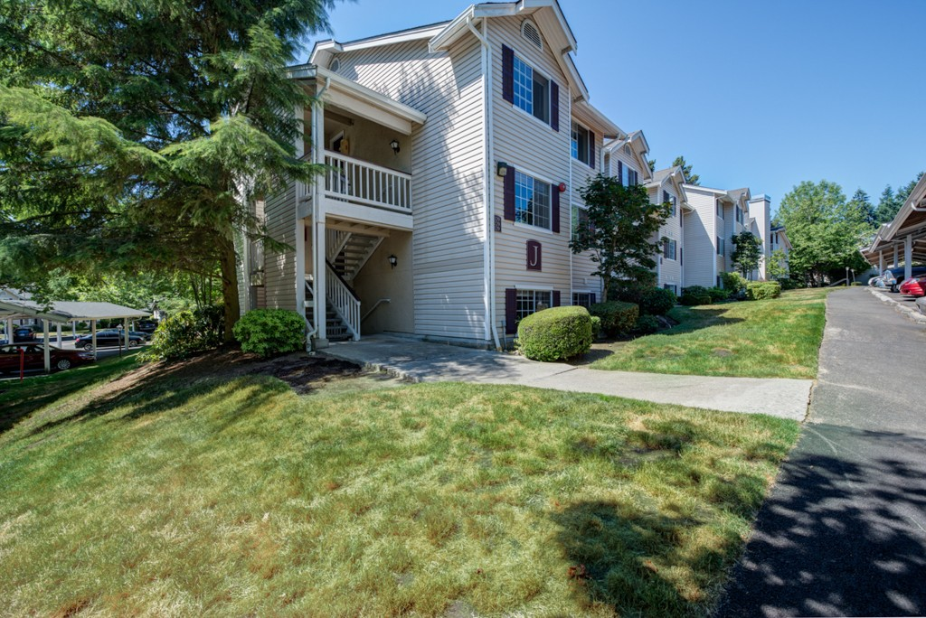 Real Estate for Sale, ListingId: 34267469, Lake Forest Park,WA98155
