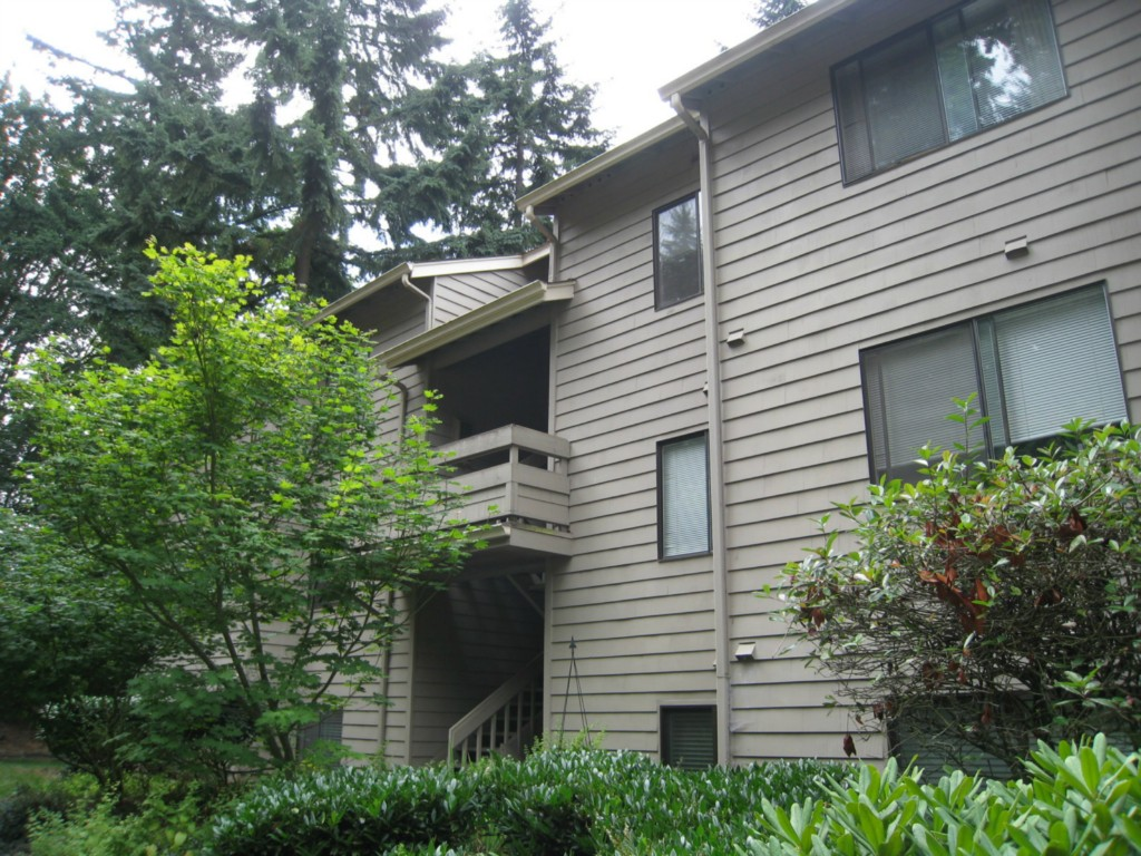 Rental Homes for Rent, ListingId:29556572, location: 12723 NE 116th St #G-103 Kirkland 98034