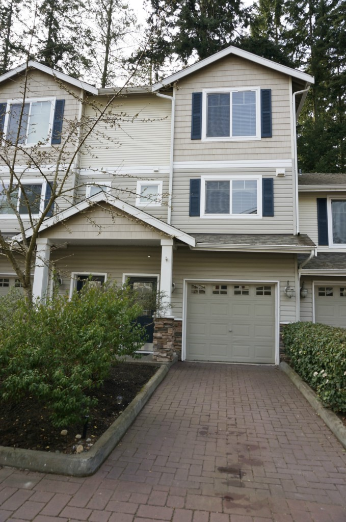 Rental Homes for Rent, ListingId:32121765, location: 5710 198th St SW #F Lynnwood 98036