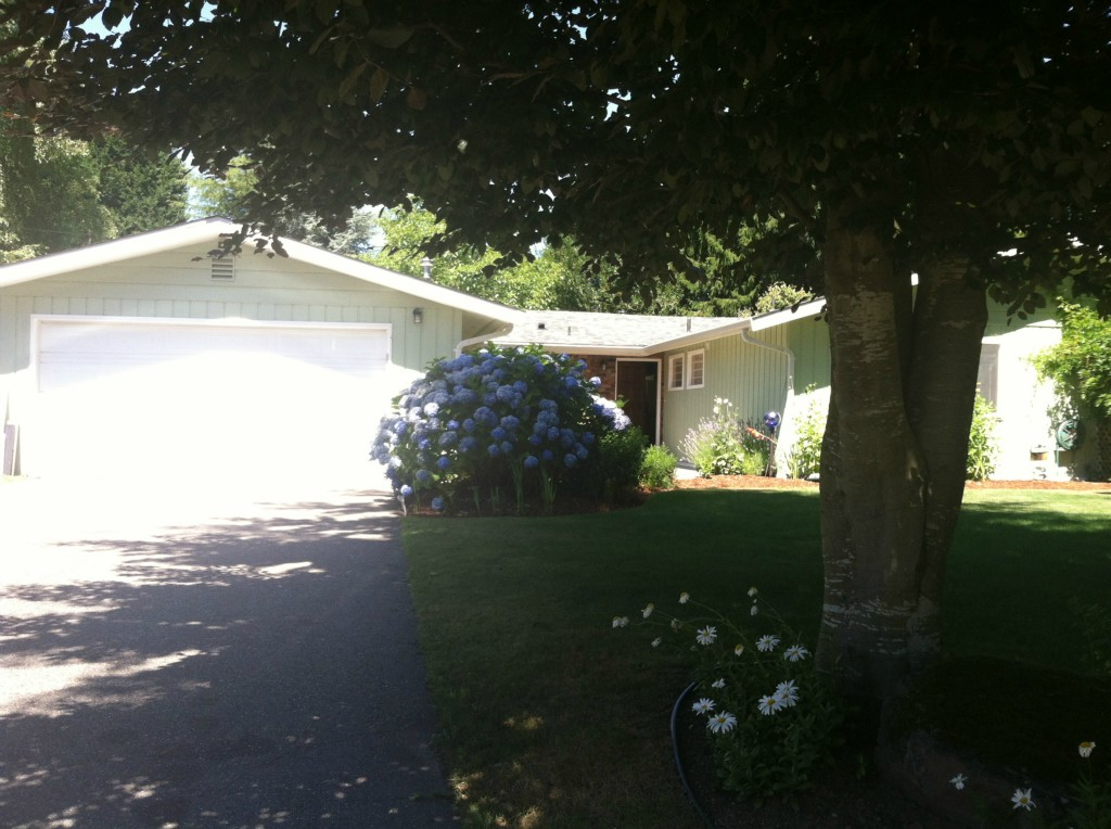 Rental Homes for Rent, ListingId:27779244, location: 3020 NE 200th St Lake Forest Park 98155