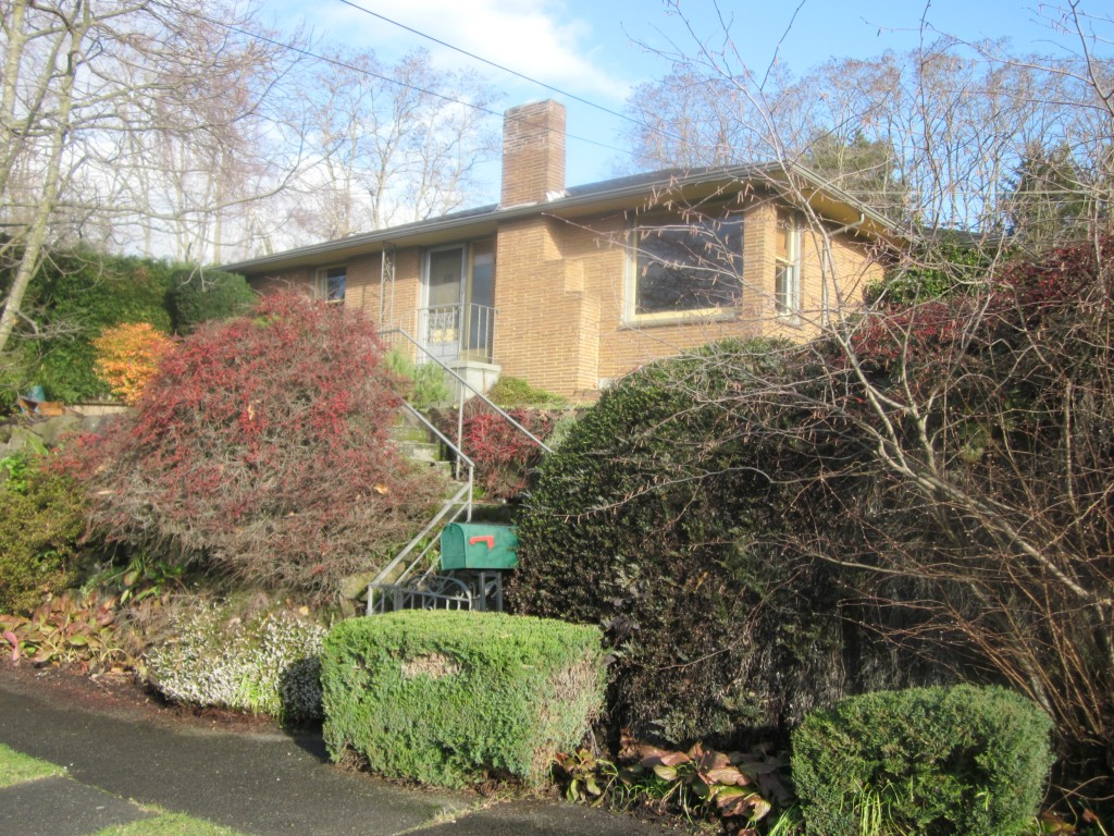 Rental Homes for Rent, ListingId:31270622, location: 4908 University View Place NE Seattle 98105