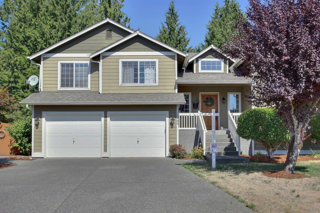Featured Property in BONNEY LAKE, WA, 98391