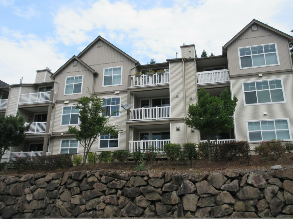 Rental Homes for Rent, ListingId:29491576, location: 23420 SE Black Nugget Rd #E202 Issaquah 98029
