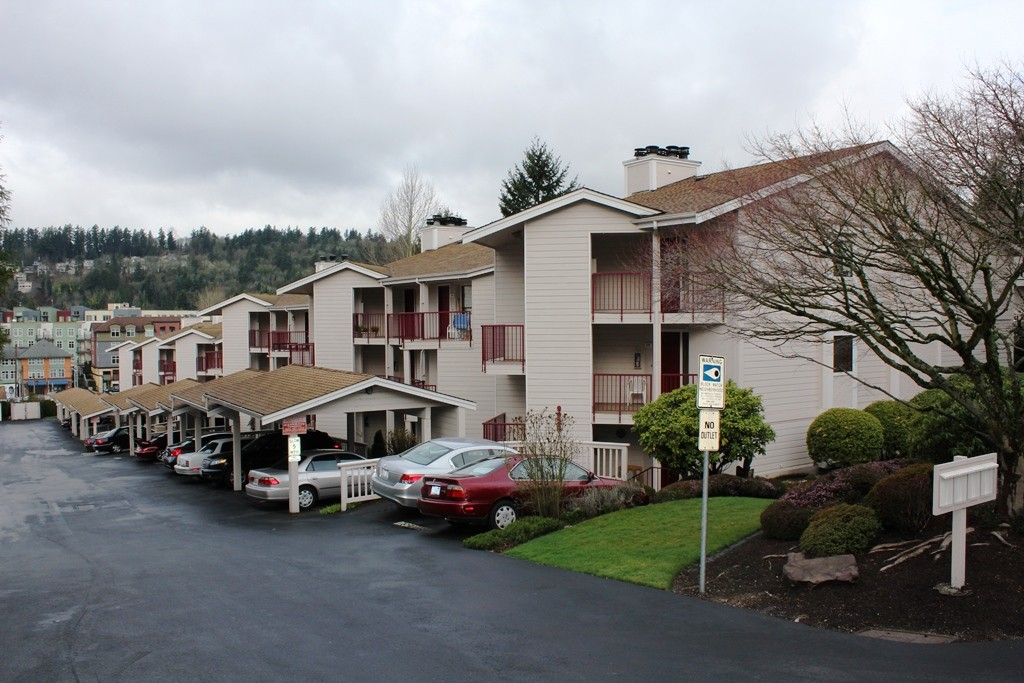 Rental Homes for Rent, ListingId:27161177, location: 9910 NE 119th St #303 Kirkland 98034