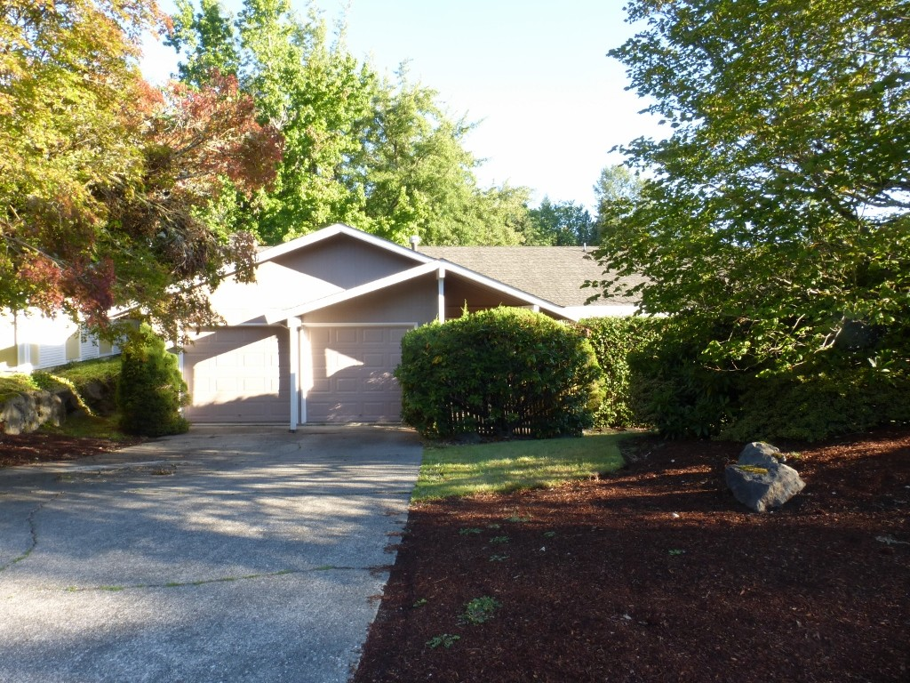 Rental Homes for Rent, ListingId:29810647, location: 1423 176th Place NE Bellevue 98008