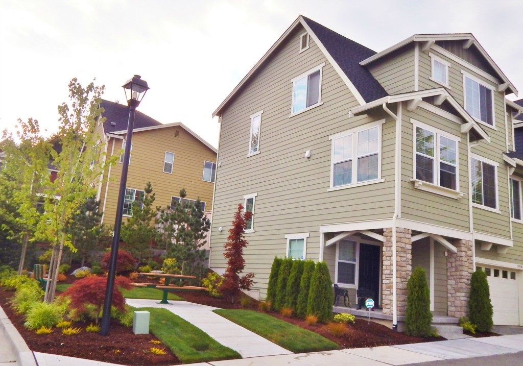 Rental Homes for Rent, ListingId:29491577, location: 9902 NE 138th Place Kirkland 98034