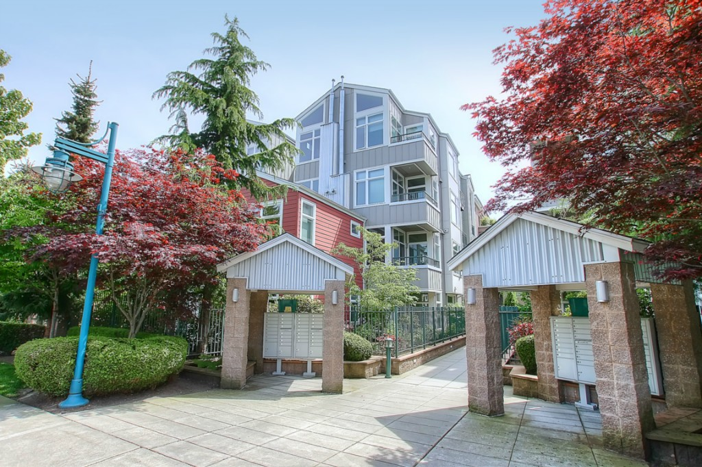 Rental Homes for Rent, ListingId:30465000, location: 511 7th Ave #204 Kirkland 98033