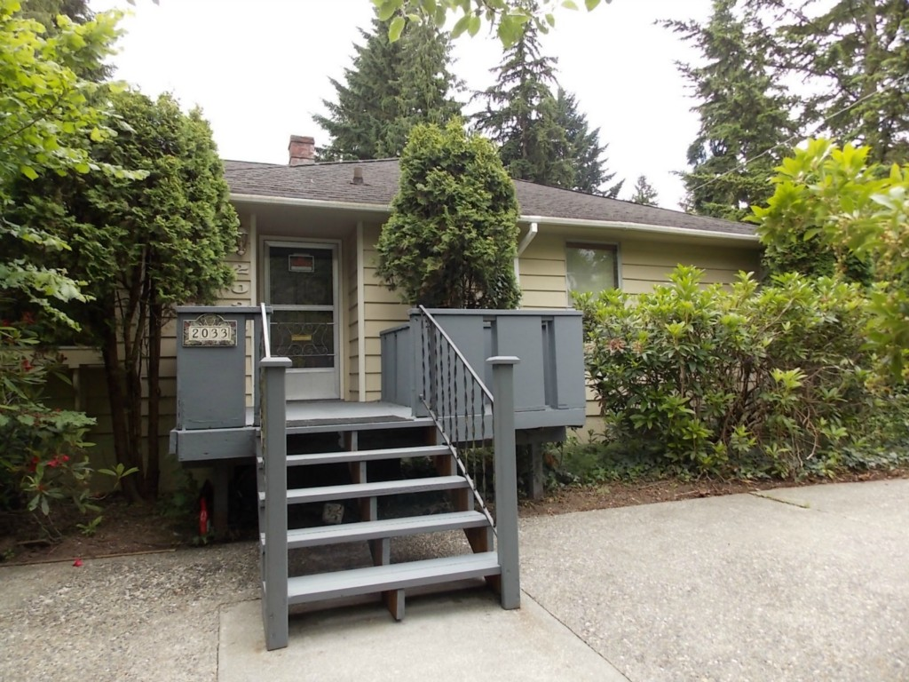 Rental Homes for Rent, ListingId:29168895, location: 2033 NE 113th St Seattle 98125